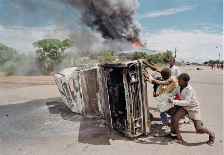 South Africa, Garankuwa, Boputhatswana Homeland. 1990. A violent demonstration against the homeland government in Ga Rankuwa.