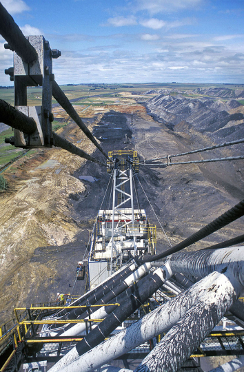South Africa, Witbank. A dragline extracts coal from an opencast mine.